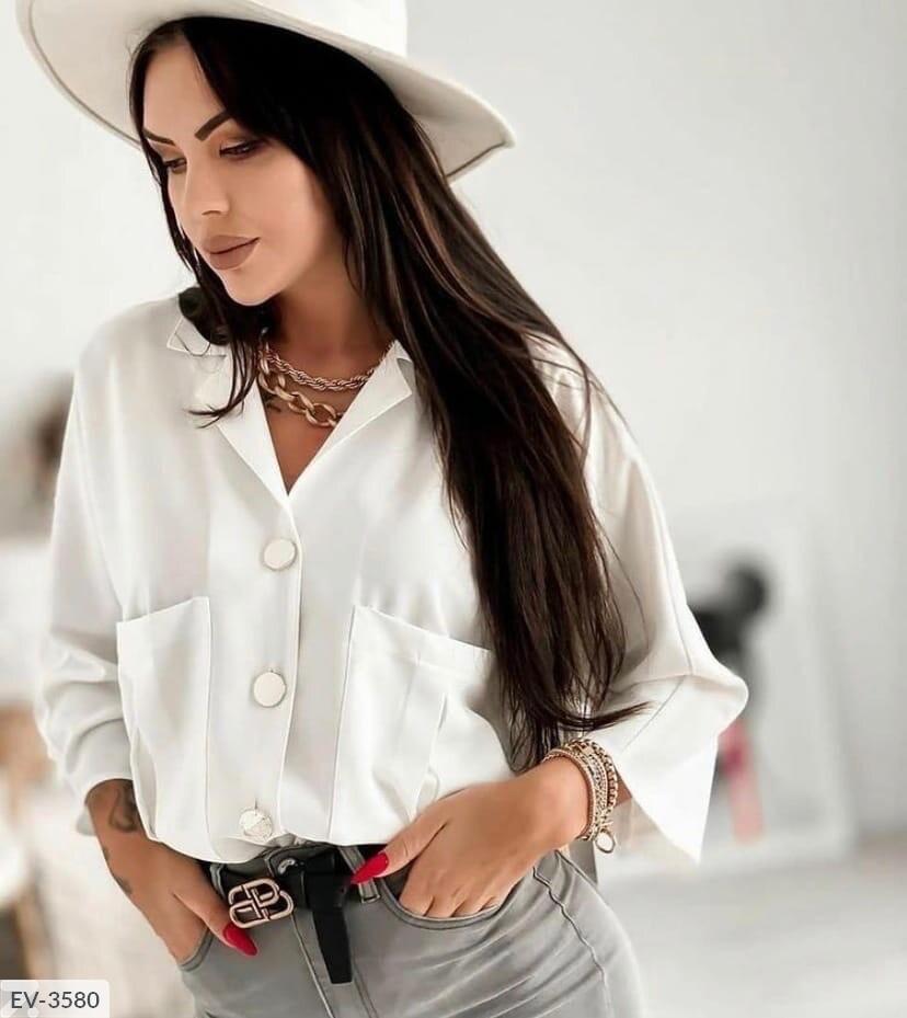 Блузка с крупными пуговками