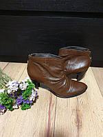 Кожаные женские ботинки на каблуке San Marina