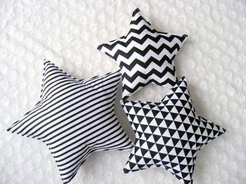 Комплект подушек для детской комнаты, набор 3 шт. (30 - 40 см)