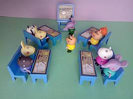 Игровой набор друзья Свинки в школе 10 персонажей
