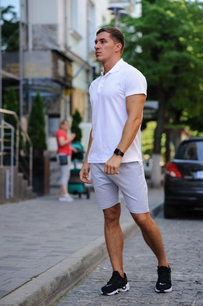 Комплект - серые шорты и белая футболка поло