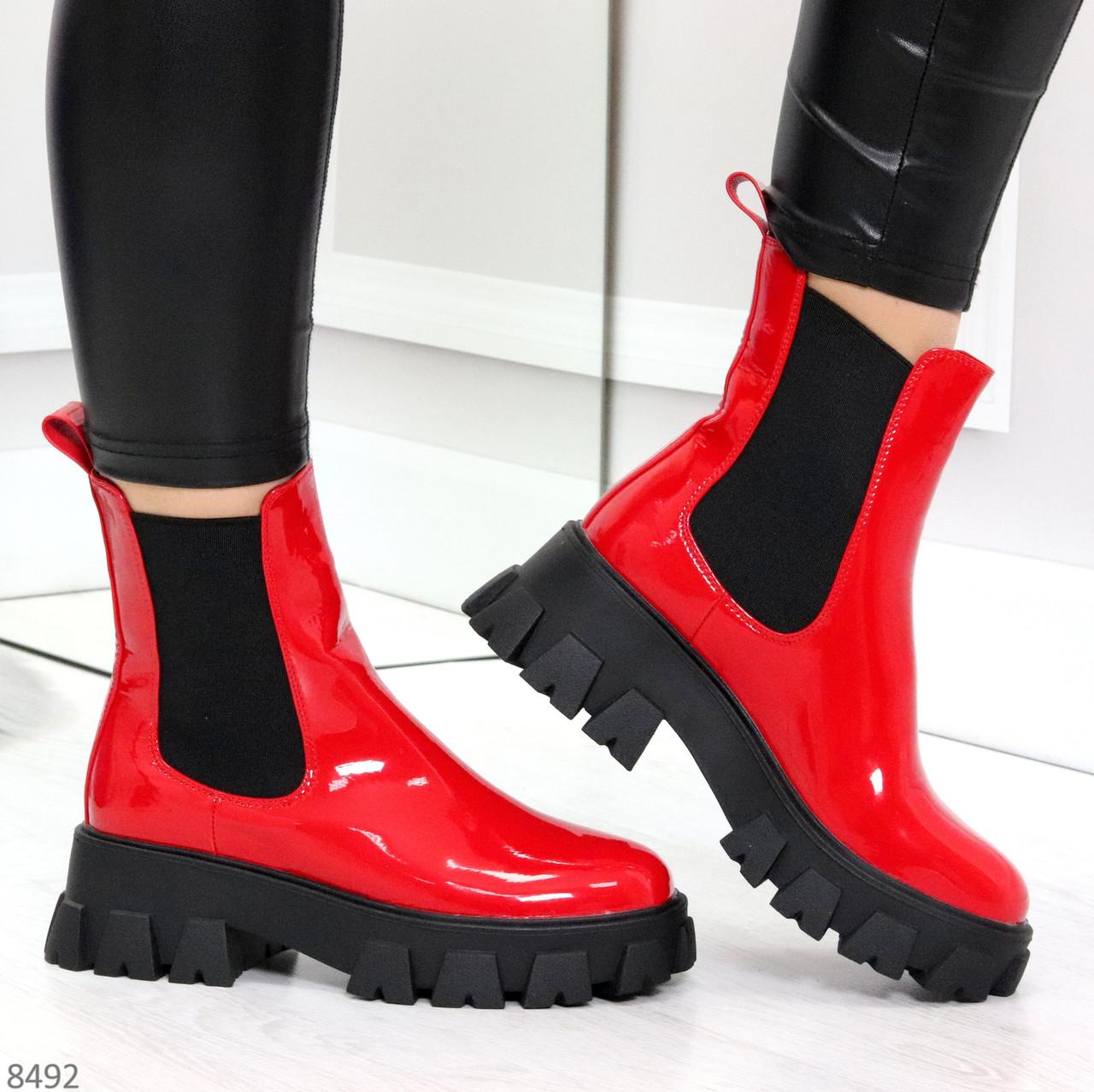 Эффектные брутальные красные лаковые женские высокие ботинки челси на флисе