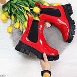 Эффектные брутальные красные лаковые женские высокие ботинки челси на флисе, фото 8