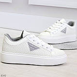 Модные белые серые дышащие женские кроссовки кеды крипперы с перфорацией, фото 2