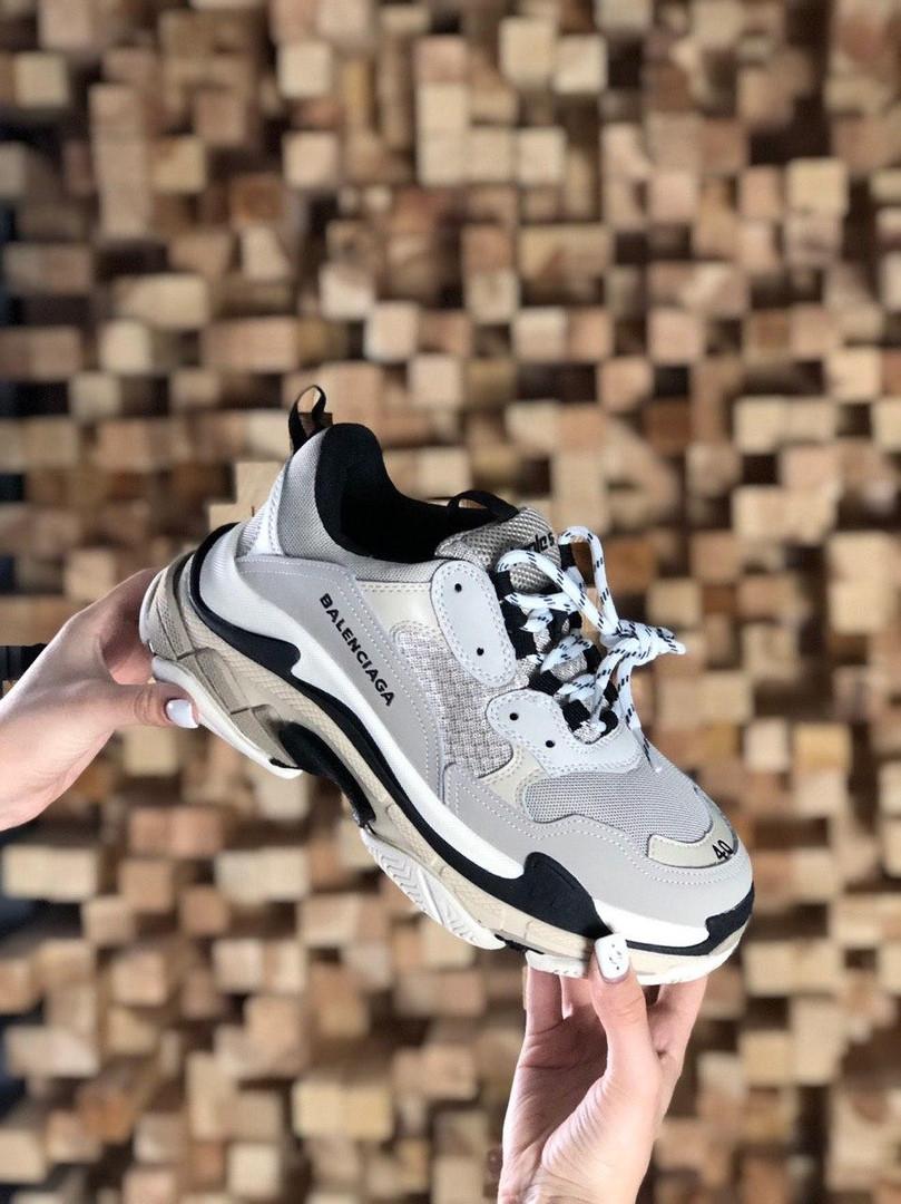 Кросівки жіночі Balenciaga Triple S Vanille (Бежевий). Стильні жіночі кросівки
