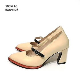 Туфли с фигурным каблуком и ремешком по подъему, каблук 6см, цвет молочный