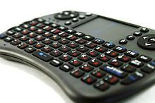 Бездротова міні-клавіатура з тачпадом