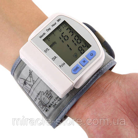 Цифровой тонометр на запястье Blood Pressure Monitor CK-102S, фото 2