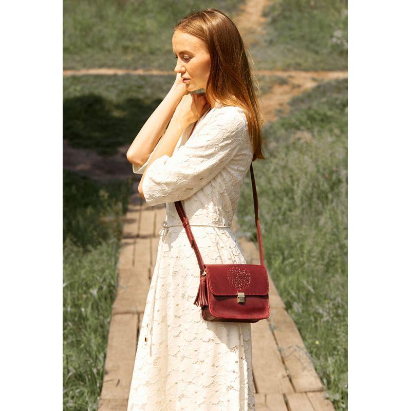 Кожаная женская бохо-сумка Лилу бордовая Crazy Horse