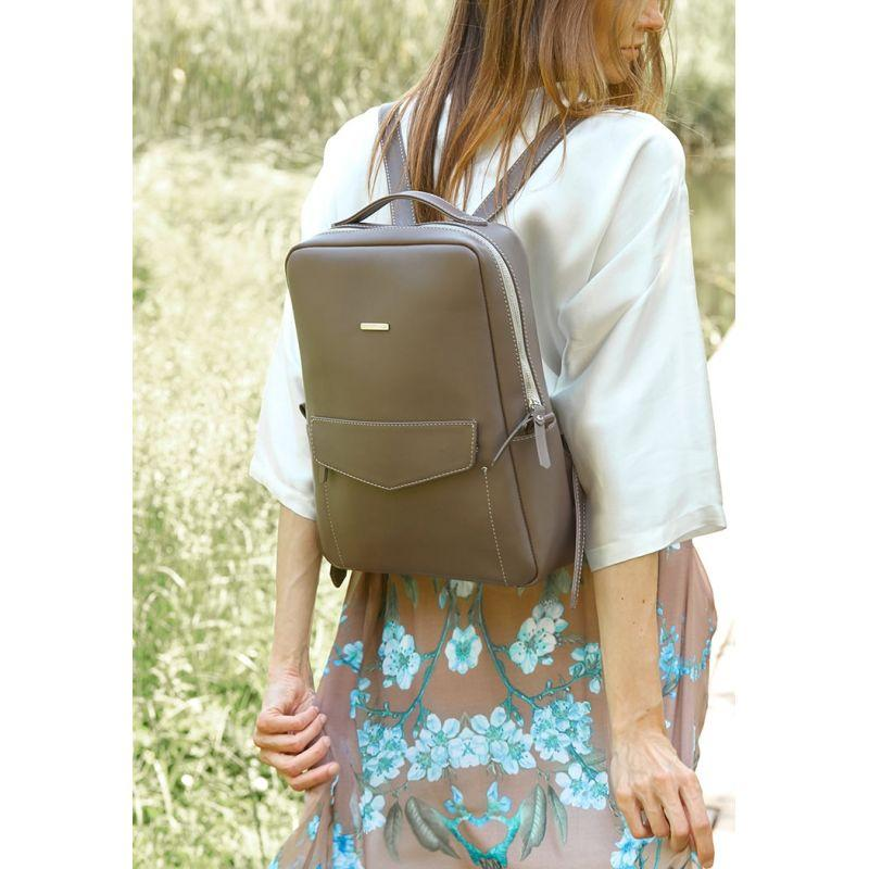 Кожаный городской женский рюкзак на молнии Cooper темно-бежевый