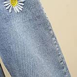 Джинсы женские стильные короткие светло-синие с ромашками Flower #63, фото 6