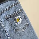 Джинсы женские стильные короткие светло-синие с ромашками Flower #63, фото 5