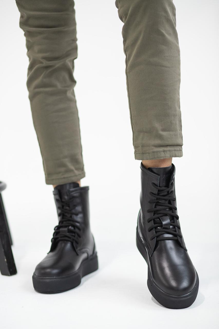 Женские ботинки кожаные зимние на меху Yuves 130 черные