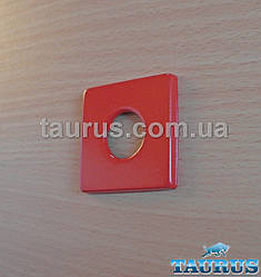 "Красная квадратная декоративная чашка (фланец) CUBE 48х48 RED из н/ж стали d1/2"" (около 20 мм)"