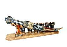Кинжал на деревянной подставке - подарочный набор для спиртного