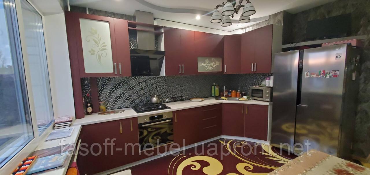 Кухня прованс с пленочными фасадами