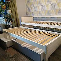 """Односпальная кровать """"Тахта"""" - Фиронни серо-белая с выкатным спальным местом, массив ольхи"""
