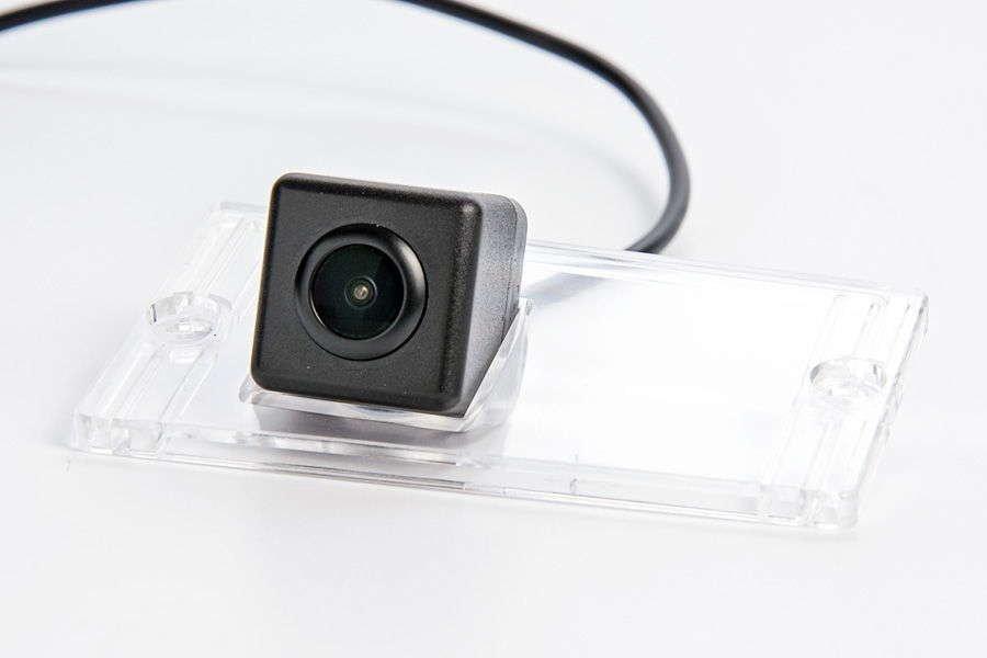 Штатная камера заднего вида Phantom CA-35+FM-78 (KIA)