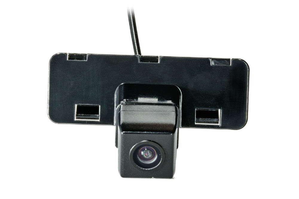 Штатная камера заднего вида Phantom CA-35+FM-44 (Suzuki)