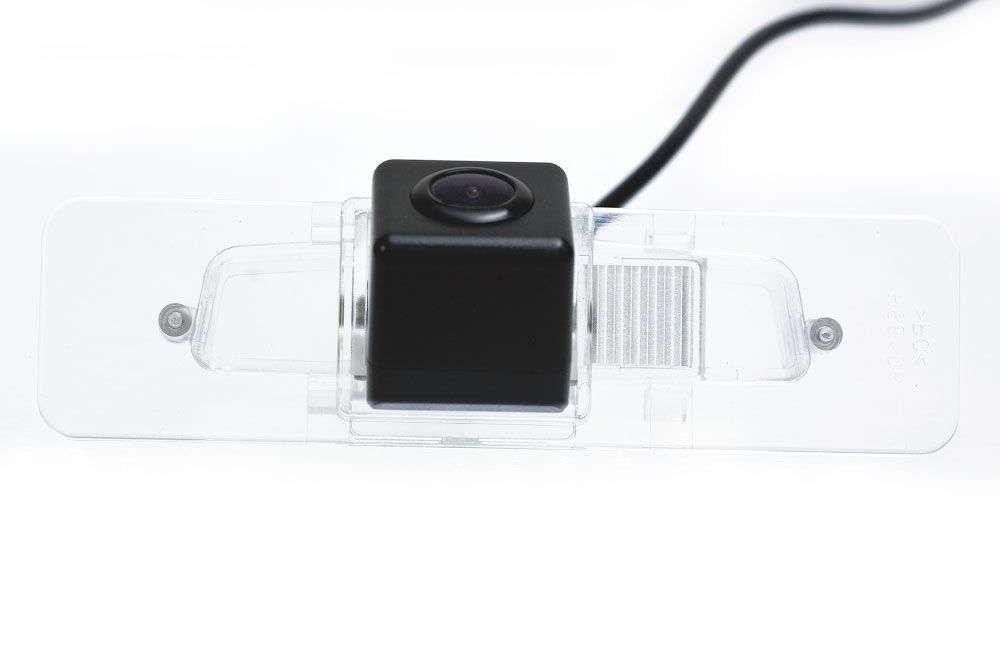 Штатная камера заднего вида Phantom CA-35+FM-58 (Subaru)