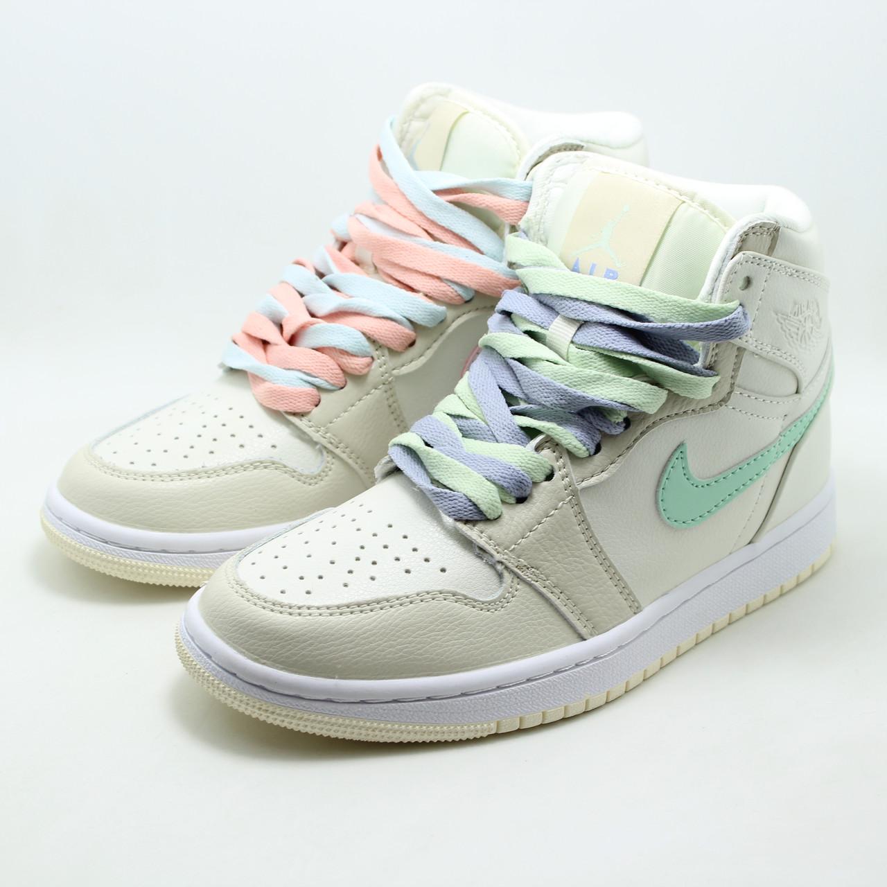Женские кроссовки Nike Air Jordan 555112-035