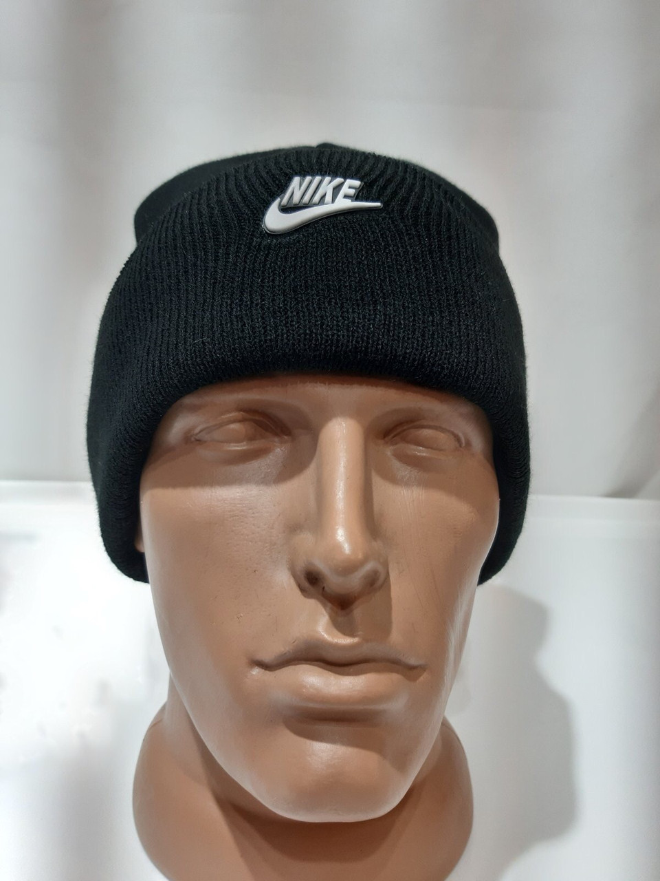 Зимняя мужская шапка с кашемиром отличного качества черная