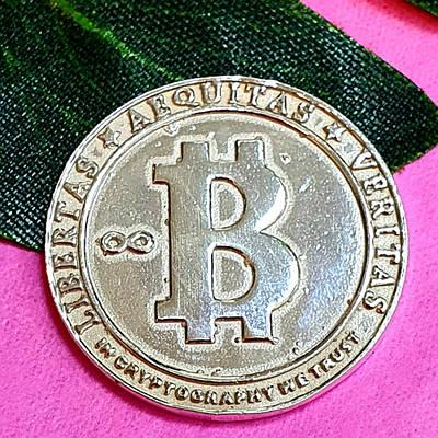 Срібна монета Биткоин - Биткоин сувенір срібний - Биткоин криптовалюта сувенірна монета даим. 26 мм