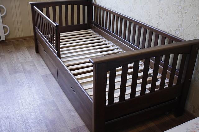 Кровать детская подростковая Карина, массив ольха