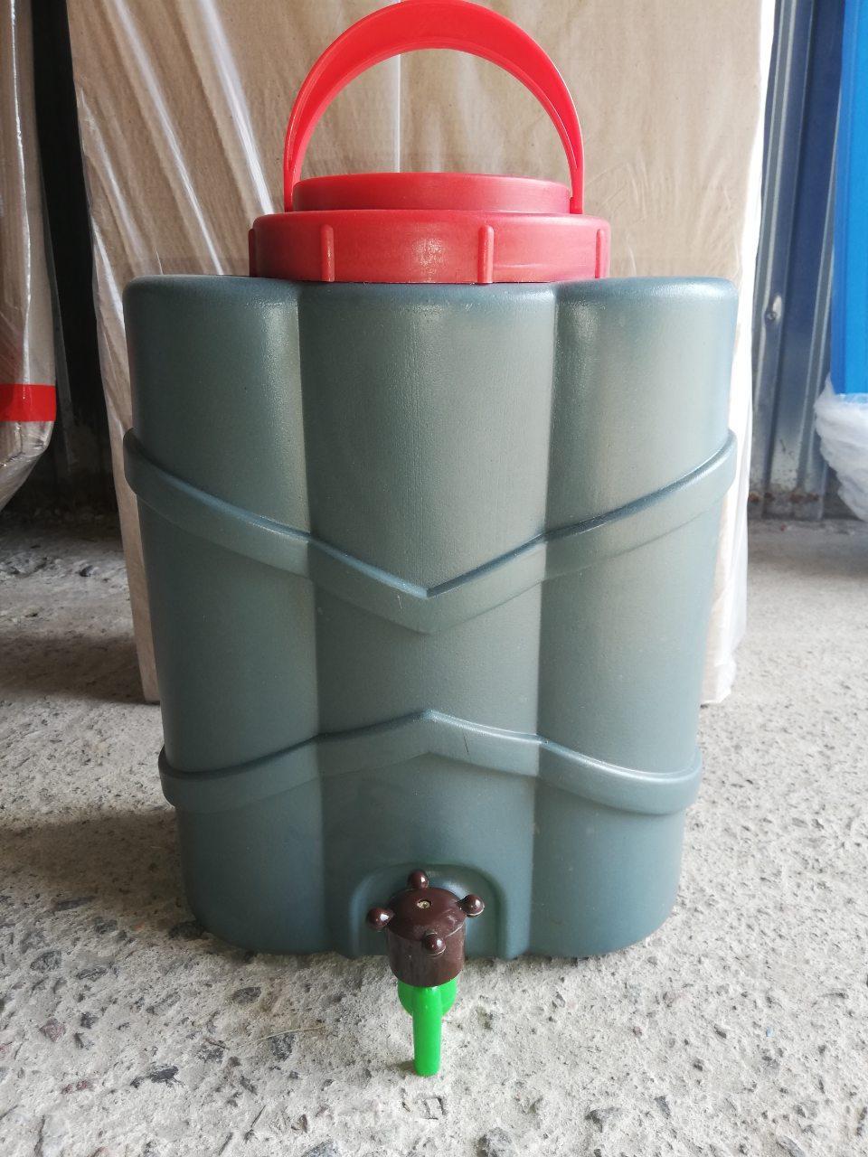 Рукомойник новый пластиковый, 10 литров