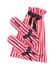 Атласные тапочки в мешочке красная полоска с бантом Victoria's Secret p.L (39-40)
