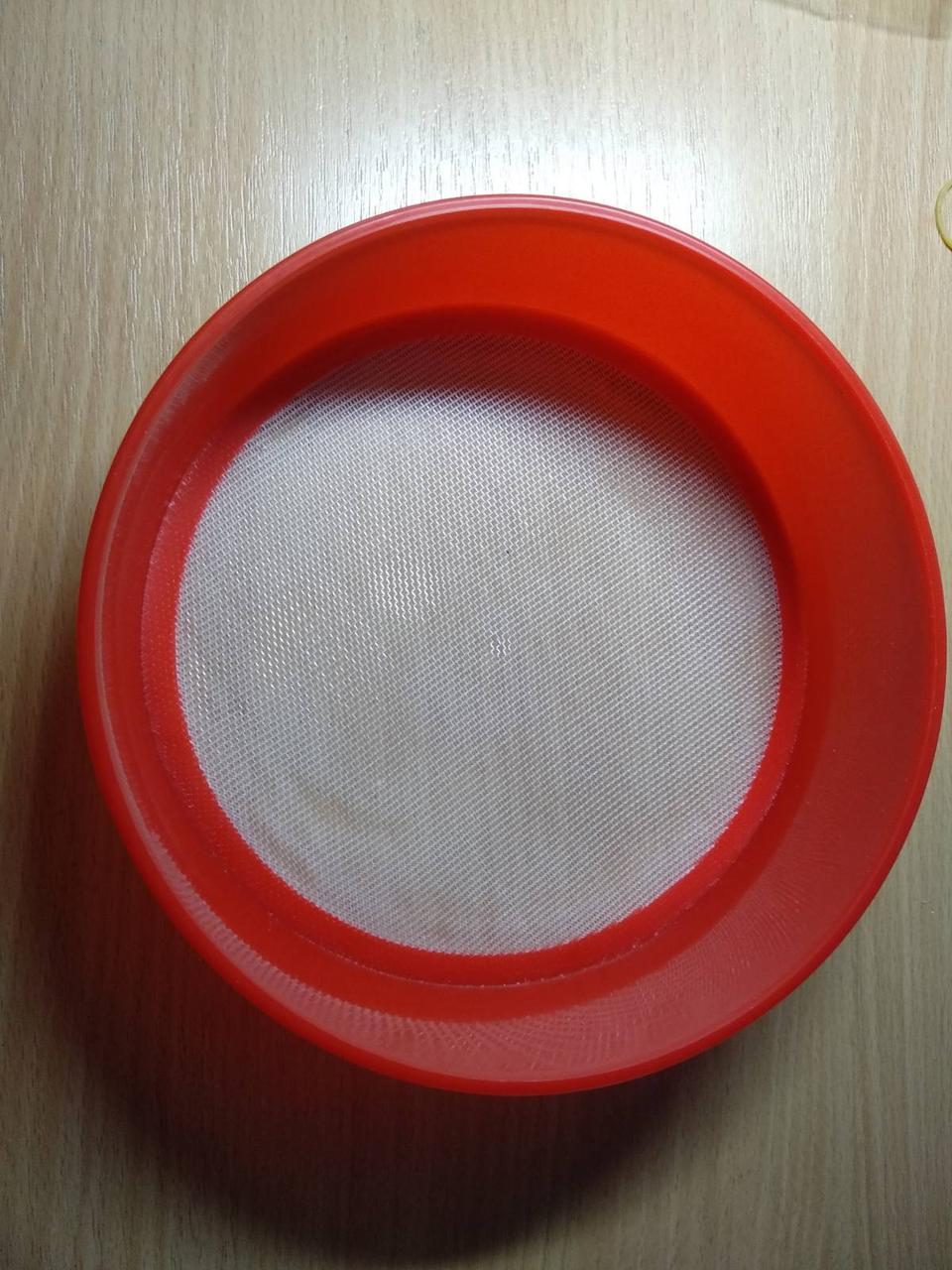 Сито пластиковое для муки d-18 cм