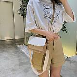 Женская классическая сумочка через плечо кросс-боди на ремешке цепочке на три отдела бежевая коричневая, фото 3