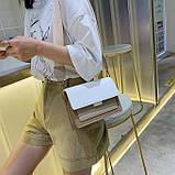 Женская классическая сумочка через плечо кросс-боди на ремешке цепочке на три отдела бежевая коричневая, фото 2