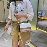 Женская классическая сумочка через плечо кросс-боди на ремешке цепочке на три отдела бежевая коричневая, фото 6