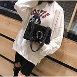 Женская большая сумка на толстой цепочке с подковой велюровая на три отдела черная, фото 3