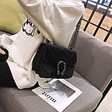 Женская большая сумка на толстой цепочке с подковой велюровая на три отдела черная, фото 2