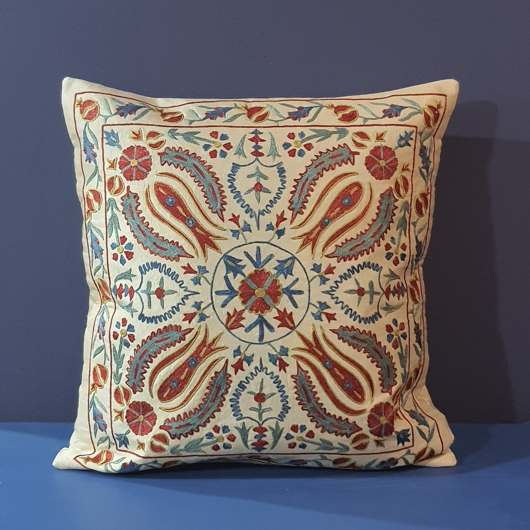 Наволочка сюзане шелк ручная вышивка. Узбекистан (7)