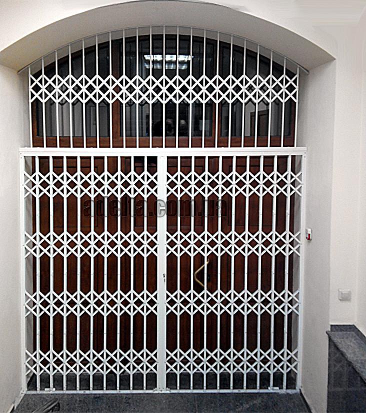Раздвижная решетка на дверь Шир.2400*Выс3000мм для банка