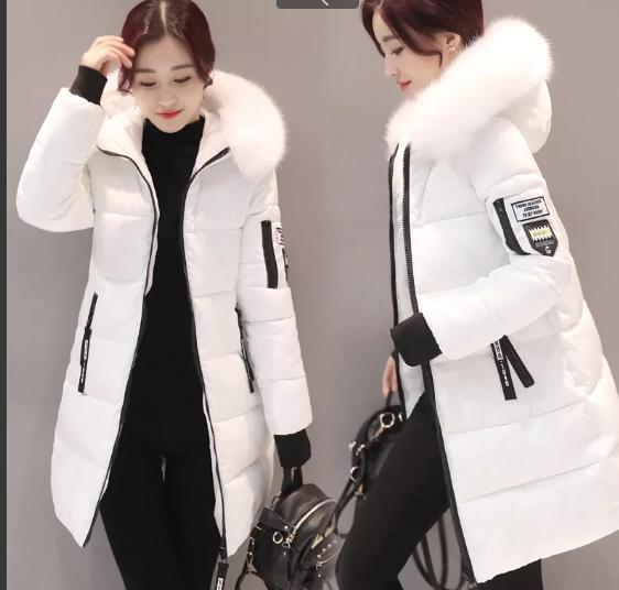 Женская зимняя куртка пуховик принт Disney с капюшоном манжетами декоративный съёмный мех р.46-48