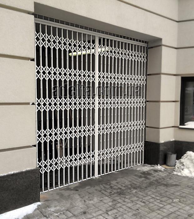 Раздвижная решетка на дверь Шир.3600*Выс.3000мм