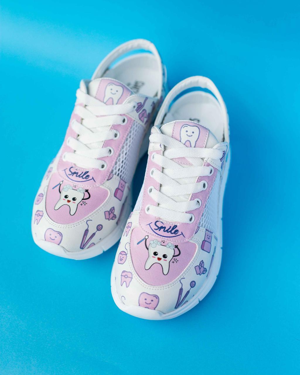 """Медичні кросівки з відкритою п'ятою """"Pink teeth"""""""