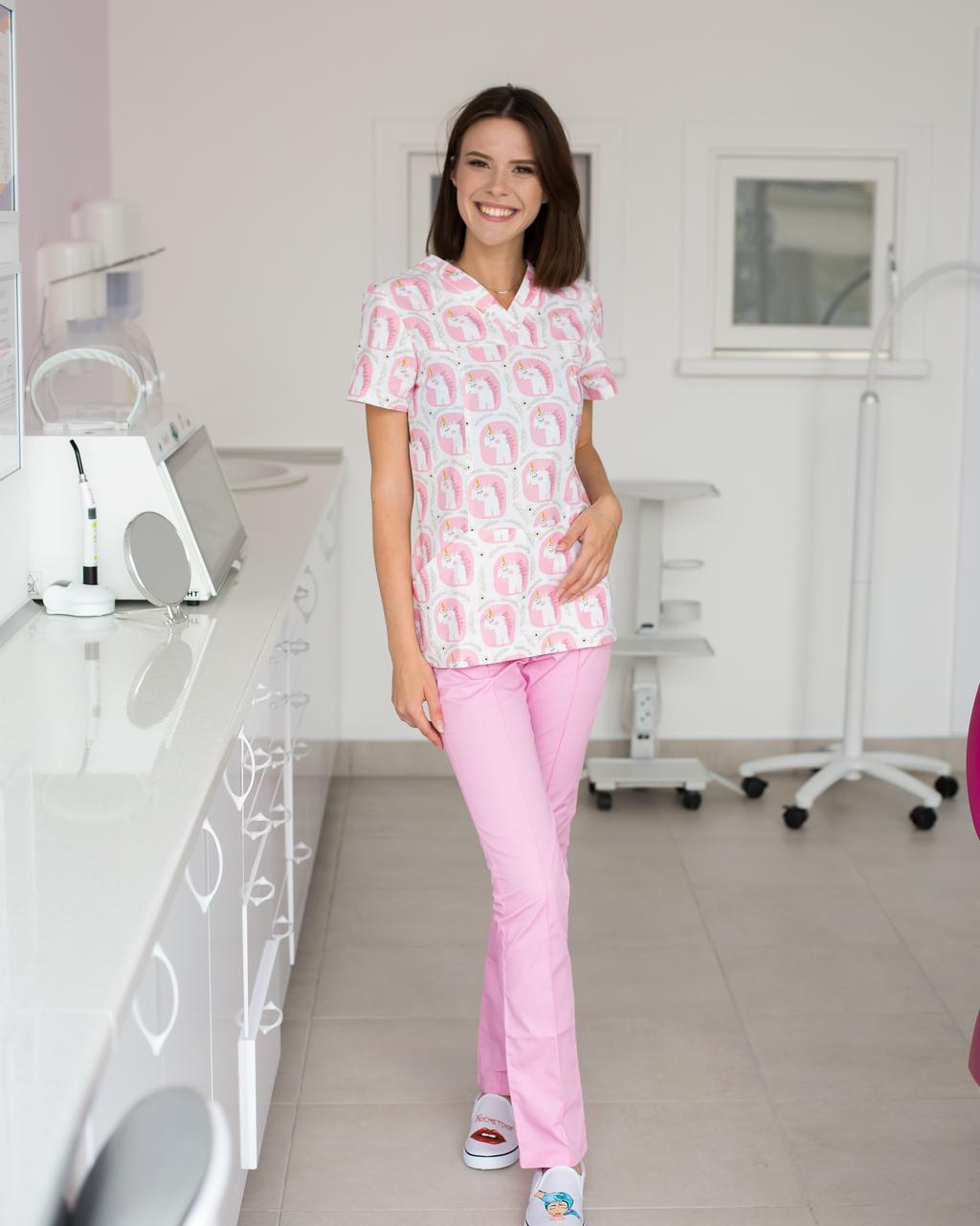 Медицинский женский костюм Топаз принт единороги розовые 40