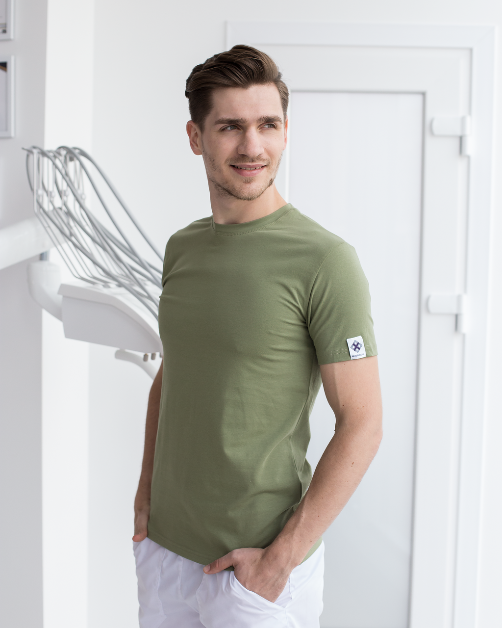 Мужская медицинская футболка, оливка
