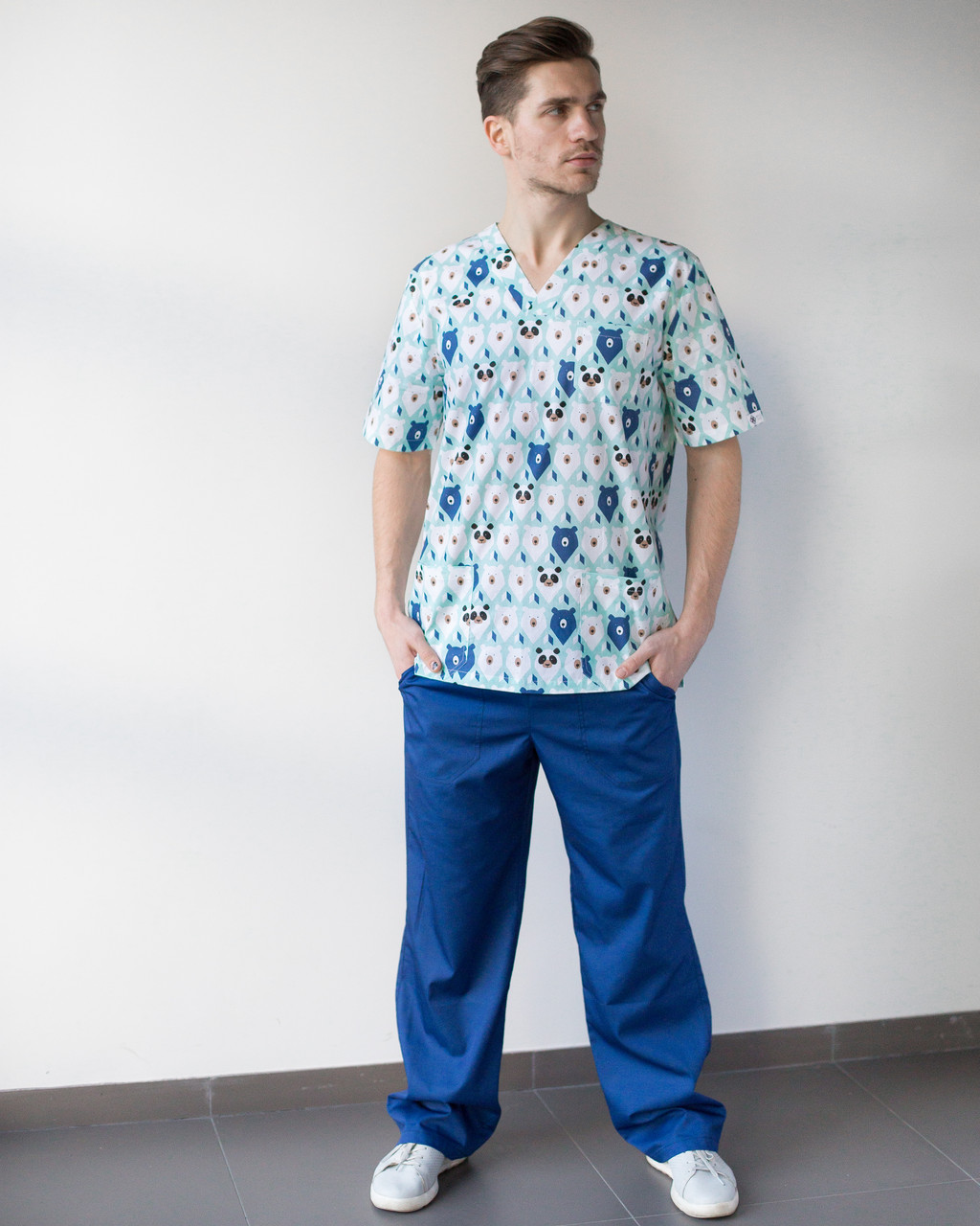 Медицинский мужской костюм Гранит принт мишки мята-синий