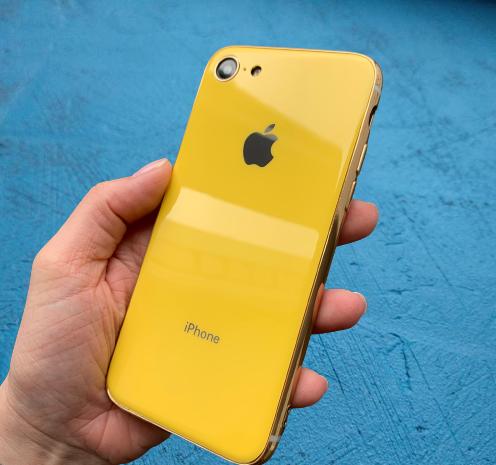 Чехол накладка на iPhone 7 / 8 Glass Silicone Case Logo Yellow (Желтый)