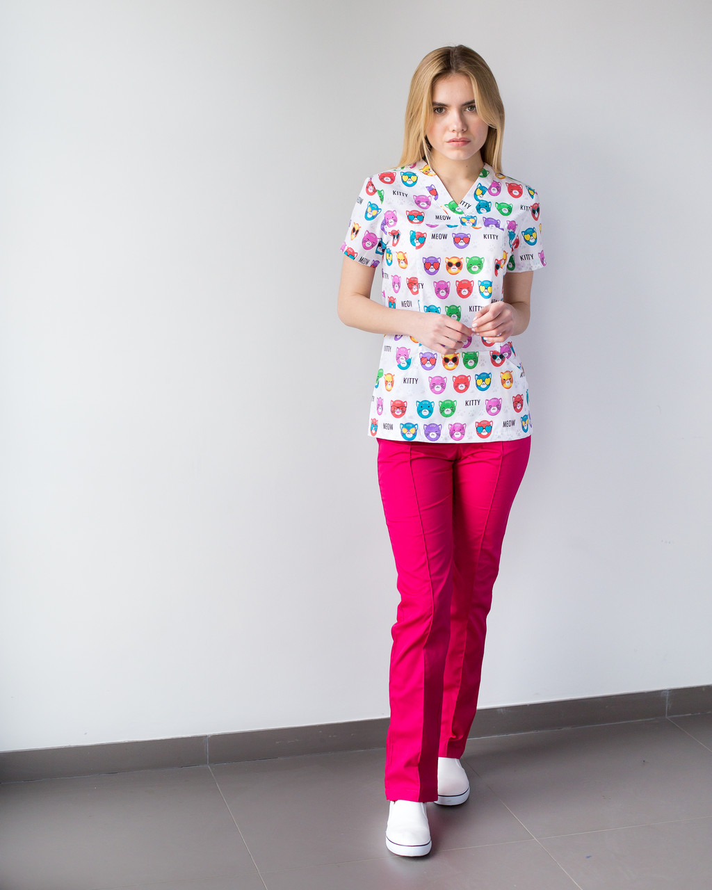 Медицинский женский костюм Топаз принт  Cats colored