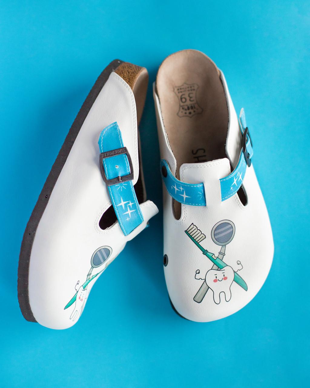Ортопедическая обувь сабо с принтом TEETH HERO