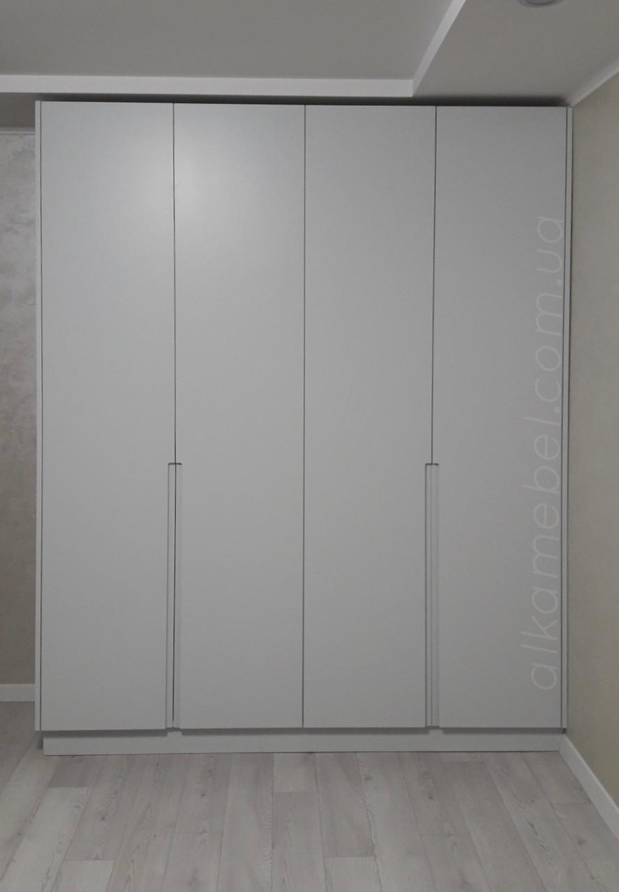 Шафа білий в сучасному стилі з мдф фасадами фарба