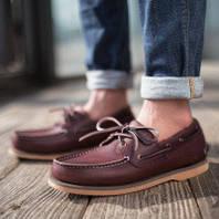 Взуття та товари з Америки