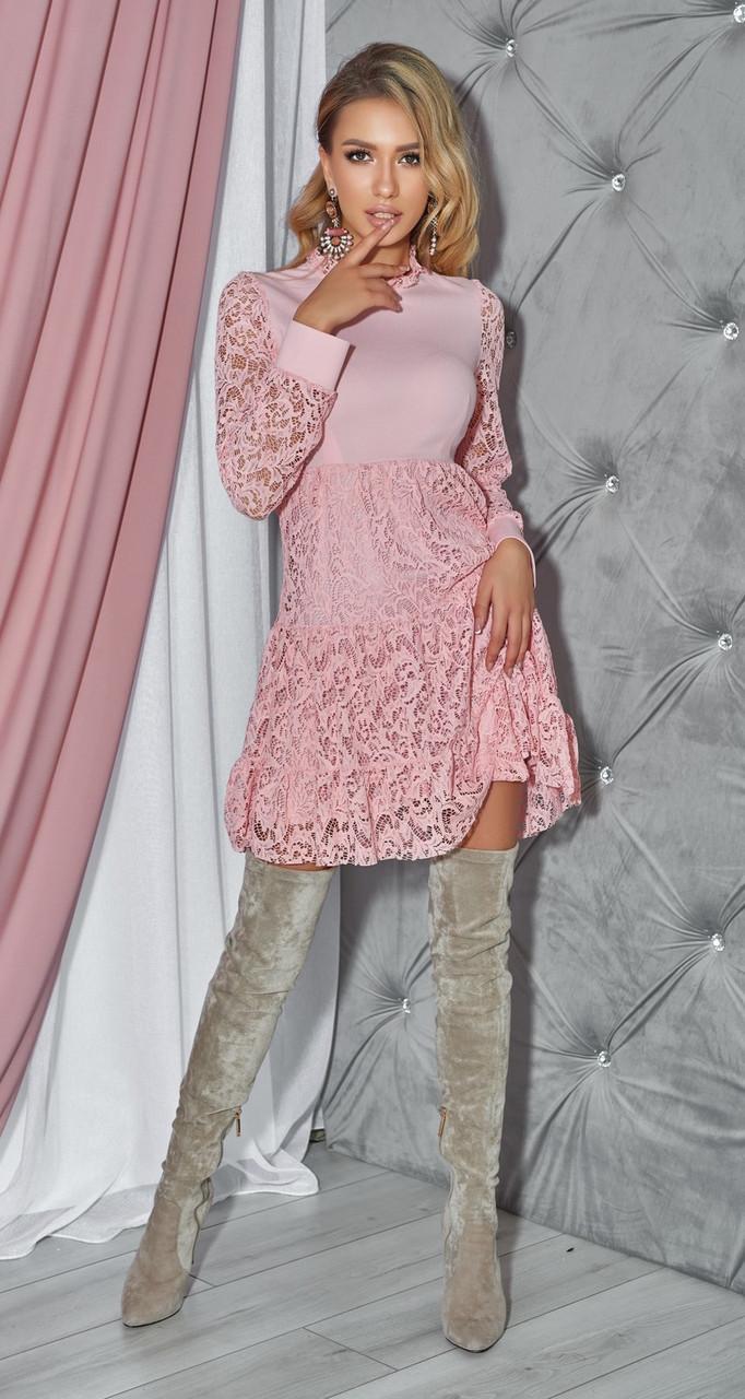 Нежное женское кокетливое платье пудрового цвета
